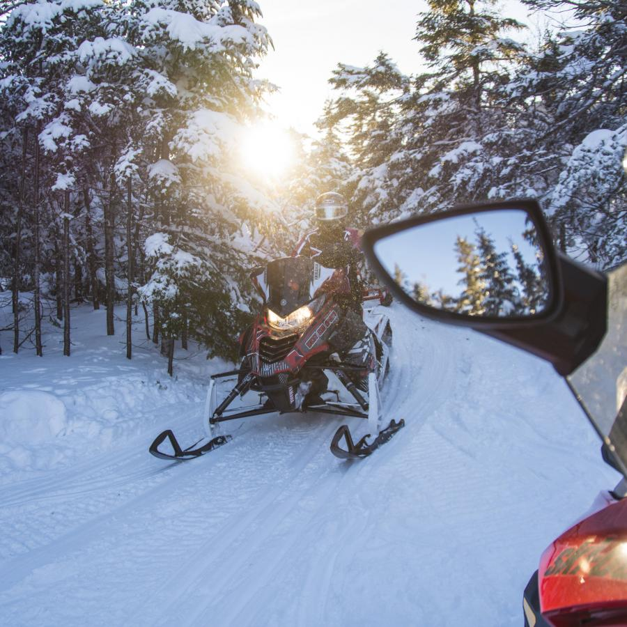 snowmobile_mtcarleton_christmas_mountain